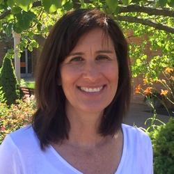 Julie Kahan